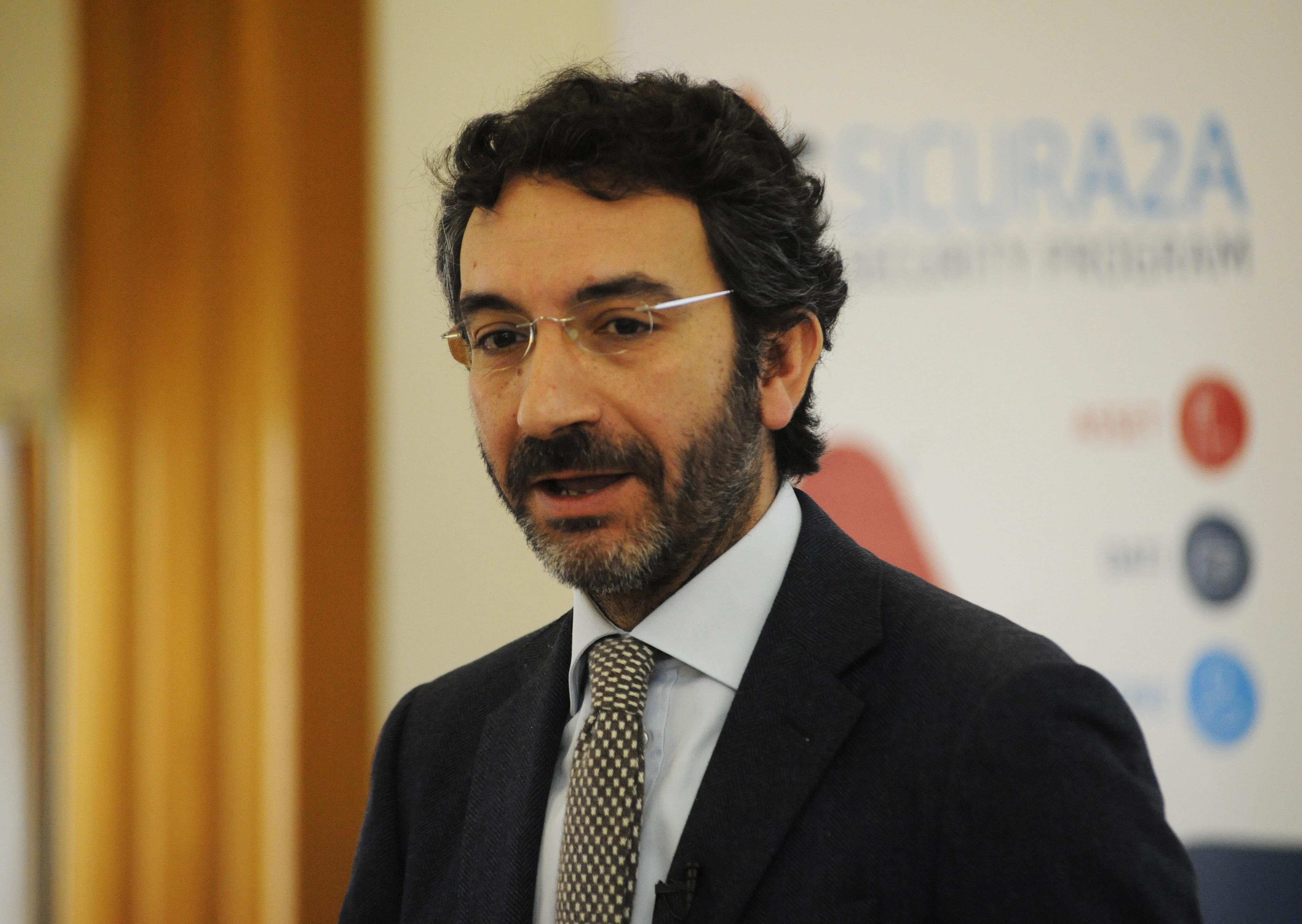 ALESSANDRO MANFREDINI - Banche e Sicurezza