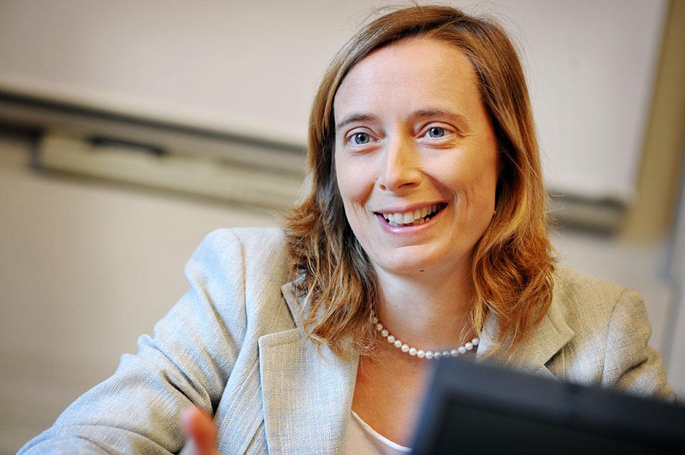ANNA ZATTONI - Forum HR - Banche e Risorse Umane